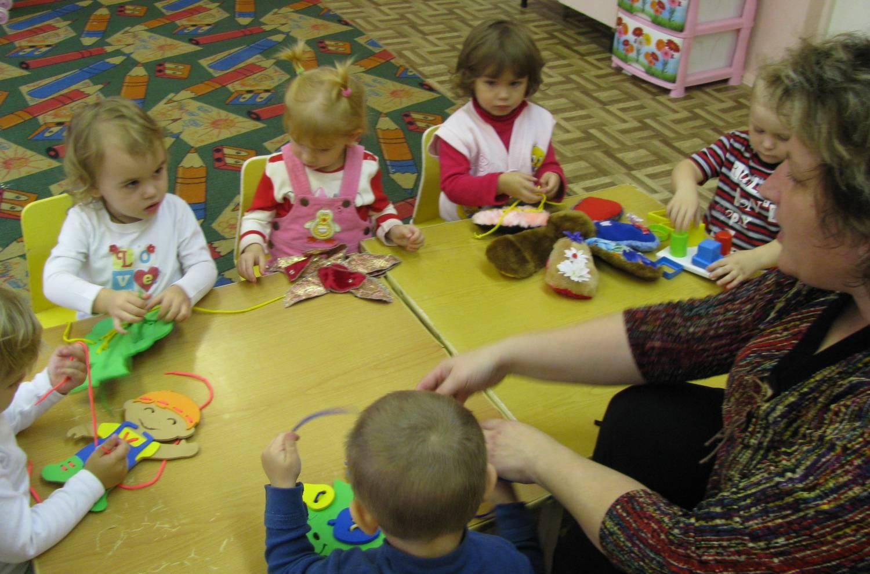 Мелкая моторика рук у детей 2-3 лет своими руками фото